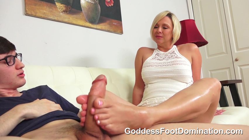 Brianna Beach Feet Worship